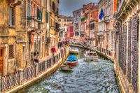 Kleiner Wasserkanal in Venedig, Italien
