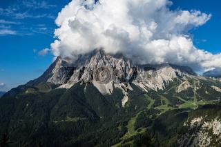 Bewölkte Zugspitze