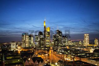 Skyline von Frankfurt bei Nacht