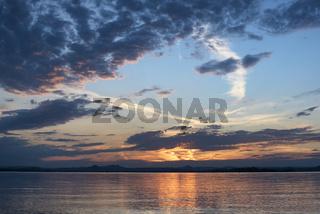 Blick über den Bodensee bei Sonnenuntergang