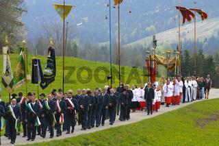 Katholische Maiprozession in der Jachenau in Bayern