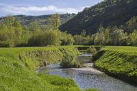Wanderung entlang des Flusses Mirna