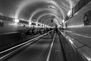 Tunnelröhre im alten Elbtunnel, Hamburg