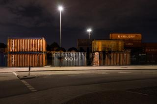 Container Lager in Waltershof bei Nacht, Hamburg