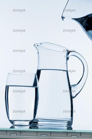 Krug mit Wasser