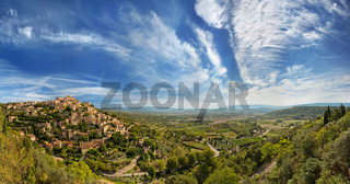 Wide angle panoramic view of Gordes