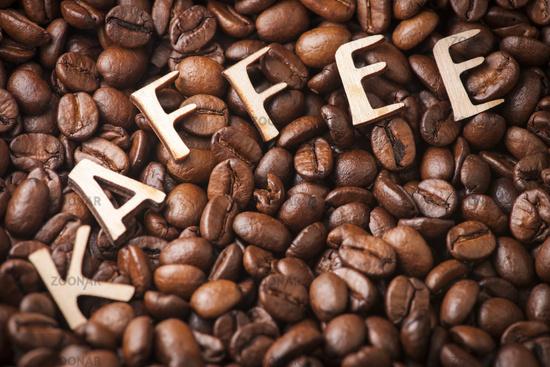 Kaffeebohnen mit Wort KAFFEE