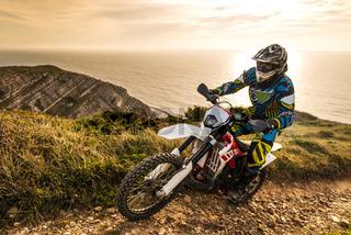 Enduro bike rider