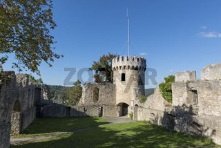 Die Burgruine Honberg oberhalb der Stadt Tuttlingen