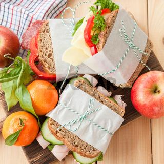 Belegte Brote mit Wurst