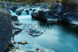Fluss Wasserfall langzeitbelichtung