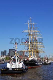 Kruzenshtern bei der Einlaufparade vom 827. Hamburger Hafengeburtstag 2016; Impressions of the 827th Birthday of the Port of Hamburg 2016, Germany