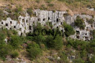 Nekropolis Pantalica Grabkammer Reihe