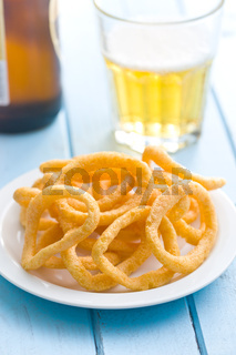 snack flavored with onion rings