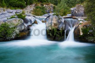 Grosser Wasserfall langzeitbelichtung