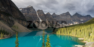 Panorama of beautiful Moraine Lake