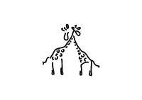 Zwei Giraffen umarmen und lieben