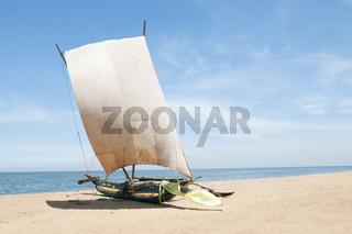 Katamaran am Strand