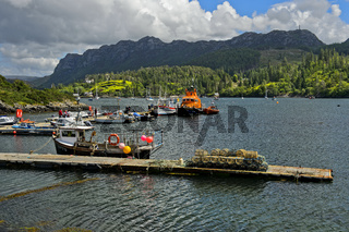 Fischereihafen in Plockton am Loch Carron, Schottland, Grossbritannien