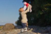 Mutter und Kind mit Hühnergott