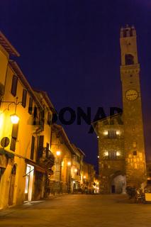Zentrum Montalcino nachts