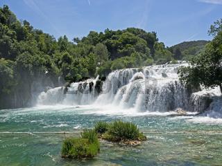Wasserfall im Krka Nationalpark in Kroatien