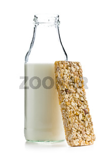 muesli bar and milk