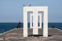 Monument im alten Hafen von Garachico auf der kanarischen Insel Teneriffa