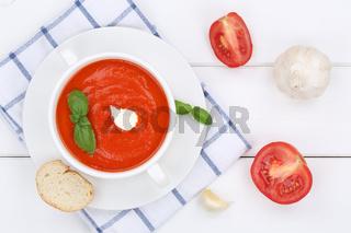 Tomatensuppe Tomaten Suppe in Suppentasse von oben