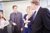 Geschäftsleute bei Verhandlungen