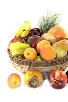 Obstkorb mit verschiedenen Früchten