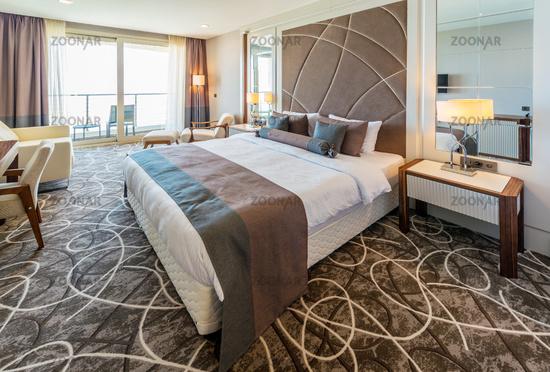 Foto hotel room with modern interior bild