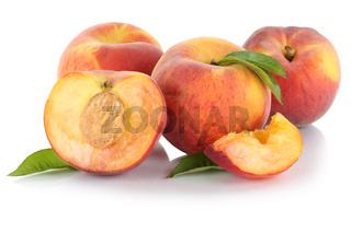 Pfirsich Pfirsiche Frucht Früchte geschnitten Hälfte Blätter Freisteller freigestellt isoliert