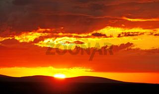 Sonnenuntergang Westteil Etosha-Nationalpark Namibia; sunset at Etosha National park West, Namibia