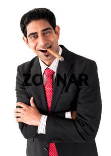 Geschäftsmann mit Zigarre und Wiskey