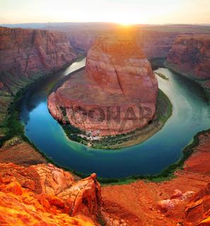 Panoramic overview of Horseshoe Bend near Page, Arizona