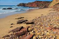 Die felsige Küste der Algarve