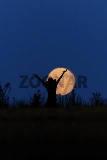 Frau hurra Mond