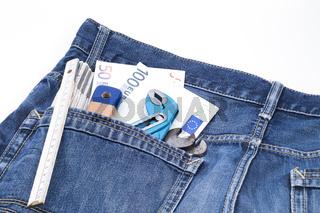 Werkzeuge Geld in Tasche