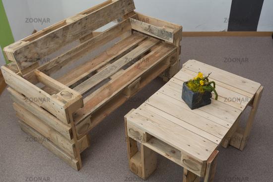 Foto Robuste Sitzbank Und Tisch Aus Paletten Bild 7123046