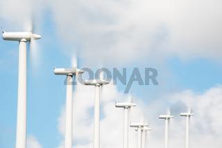Windräder in Windpark