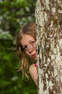 M Apfelbaum Stamm hinter schauen