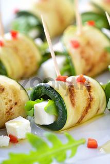 Zucchini-Röllchen