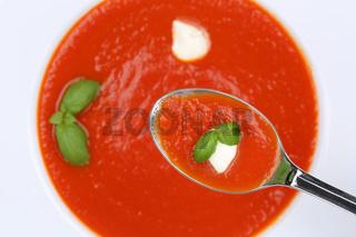 Tomatensuppe Tomaten Suppe essen auf Löffel von oben Tomate Gericht
