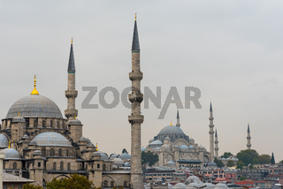 Neue Moschee und Süleymaniye Moschee in Istanbul