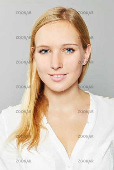 Foto Bewerbungsfoto Von Einer Blonden Frau Bild 7622742