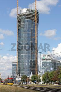 Das neue Bürohochhaus Warsaw Spire in Warschau