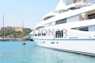 Luxusyacht Secret, Hafen von Antibes, Frankreich
