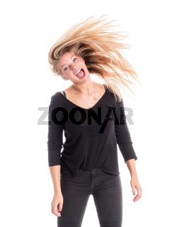blondine schüttelt ihre langen haare