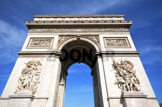 Looking up a Arc de Triomphe